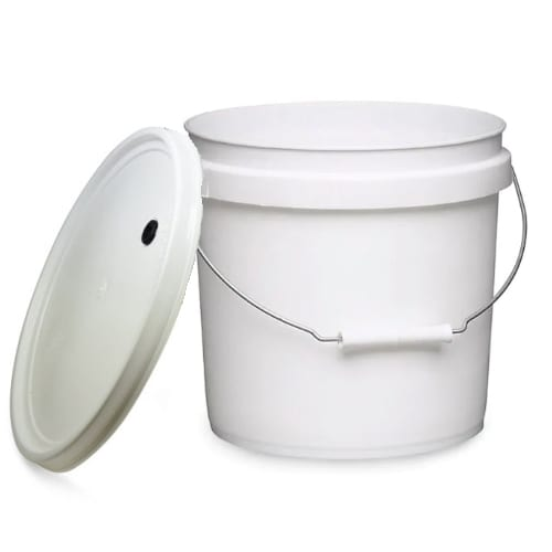 2-gallon-fermentation-food-grade-bucket-with-drilled-lid-for-airlock-fermentations
